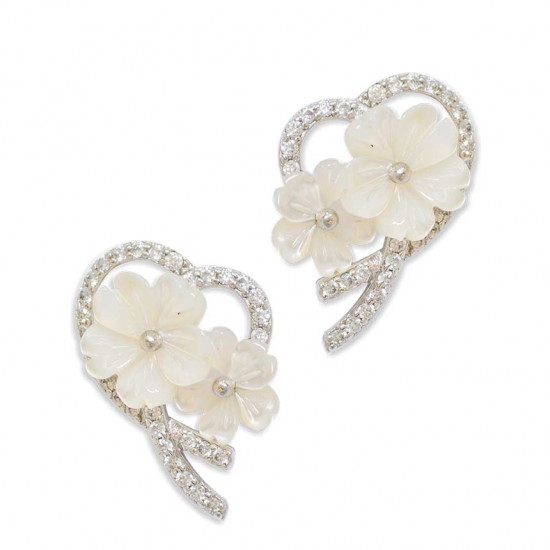 Silver earring with zircon stones with white seashells in the shape of roses